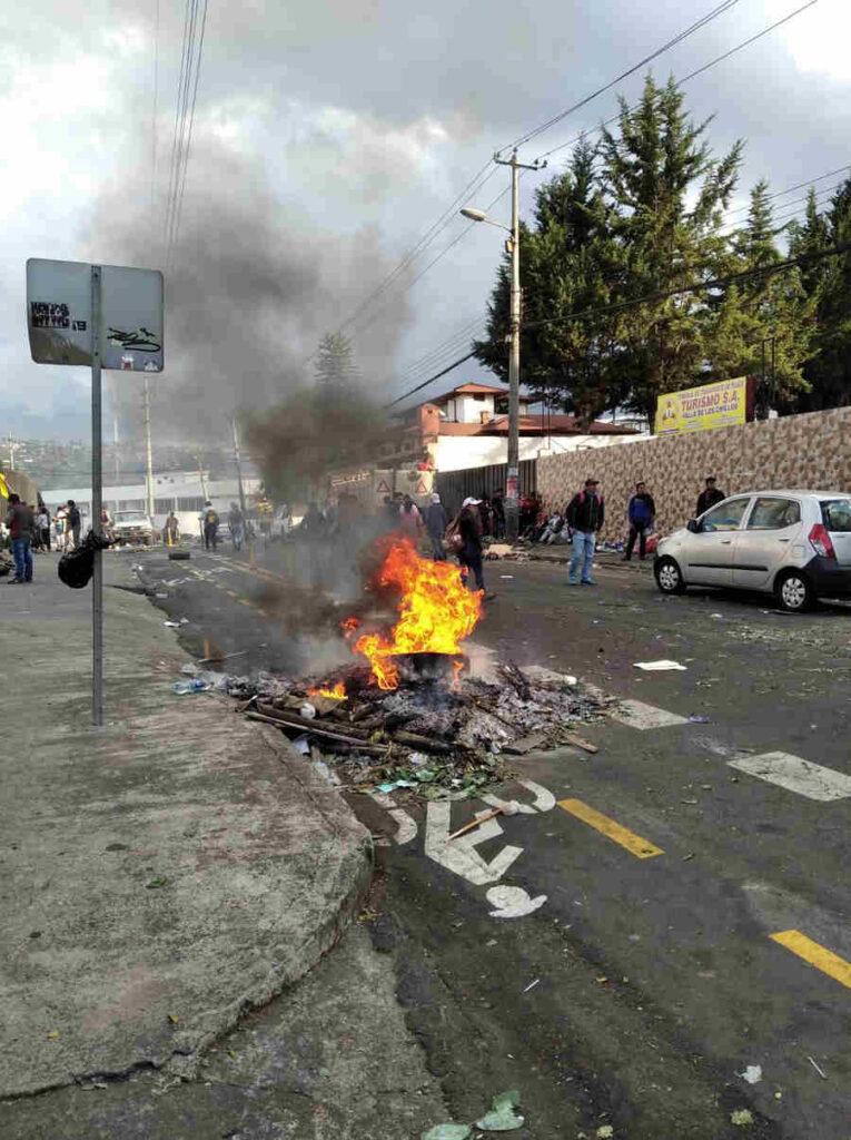 Ecuador - Quito fuoco