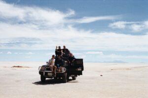 Gli amici al Salar de Uyuni, Bolivia.