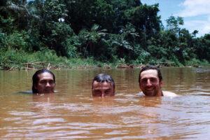 Chapo, Luciano e Guglielmo nel Rio Beni, Bolivia.