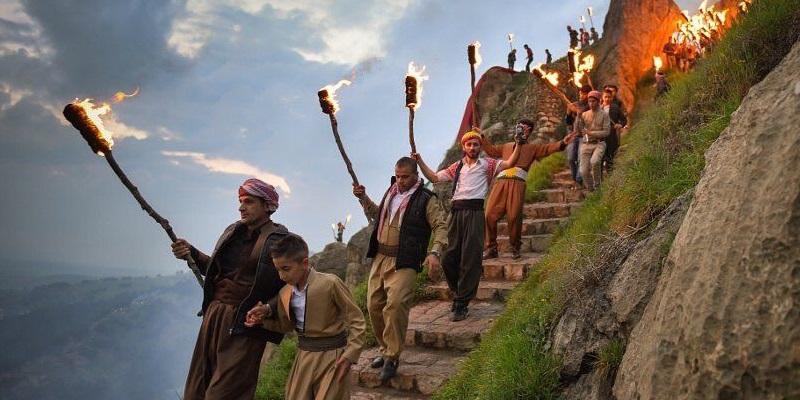 Curdi festeggiano il Newroz
