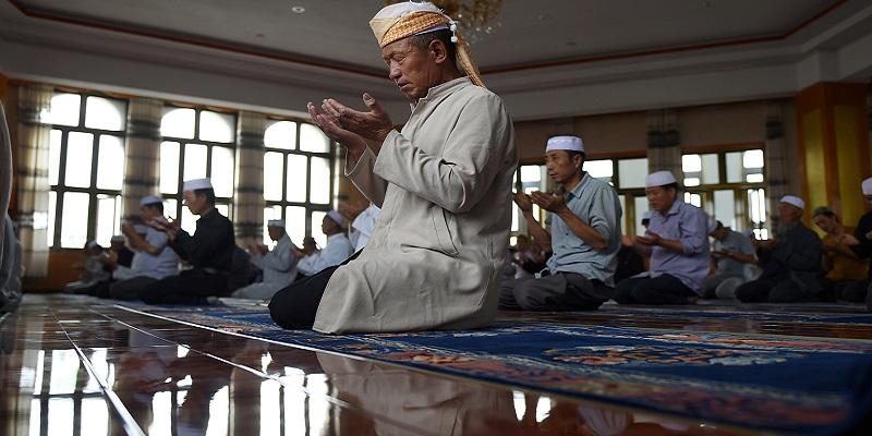 Uiguri in pregiera