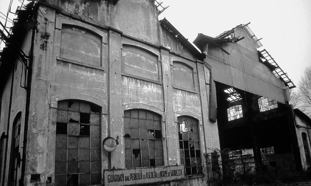 La fabbrica illuminata